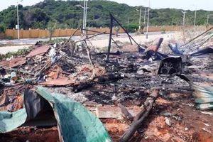 Cháy nổ xăng dầu nghiêm trọng ở Cam Ranh, hơn 10 người thương vong