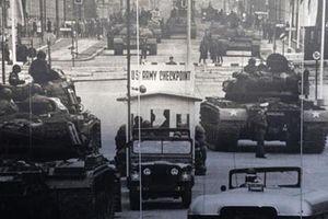 Checkpoint Charlie: 'Điểm nóng' nhất châu Âu trong Chiến tranh Lạnh