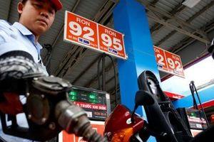 Dự báo giá xăng giảm 600-800 đồng một lít từ đầu tuần