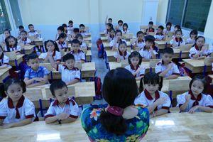 Ưu tư của cô giáo dạy lớp 1
