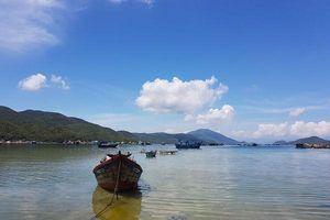 Lật ghe chở khách du lịch ở vịnh Vân Phong, 3 người tử vong