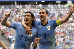 Uruguay 4-0 Ecuador: Cavani, Suarez tỏa sáng