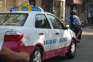 Taxi Saigontourist lao đao vì nợ thuế