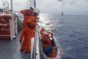 Cứu sống thuyền viên bị tai biến mạch máu não trên vùng biển Trường Sa