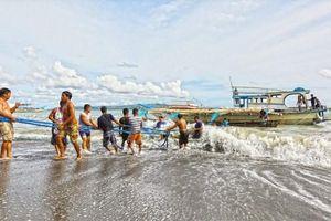 Tiền Giang chờ người hùng 'cứu 22 ngư dân Philippines' về bờ để khen thưởng