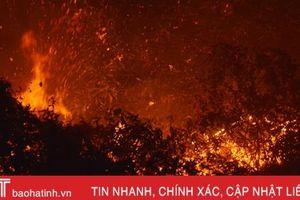 Cháy rừng trong đêm, TX Kỳ Anh huy động hàng trăm người dập lửa