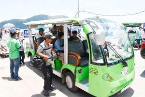 Xe chở khách du lịch tạo điểm nhấn