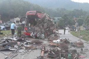 Phó Thủ tướng chỉ đạo khẩn trương khắc phục hậu quả vụ tai nạn ở Hòa Bình