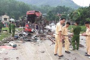 Vụ TNGT thảm khốc ở Hòa Bình qua lời kể của những người tới hiện trường đầu tiên