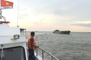 Phát hiện tàu chở 100 tấn phân bón không rõ nguồn gốc