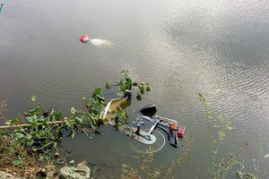 Hoảng hồn phát hiện thi thể người đàn ông tử vong dưới hồ nước