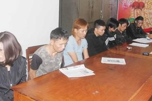 Gia Lai: Bắt 2 kiều nữ bán ma túy cho nhiều con nghiện qua cửa sắt