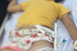 Bé nhỏ tuổi nhất vụ tai nạn thảm khốc ở Hòa Bình phải theo dõi chấn thương sọ não