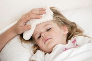 Làm thế nào để giúp bé khỏe mạnh trong mùa hè nóng bức?