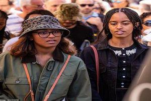 Ái nữ nhà ông Obama 'hút' ống kính truyền thông khi thăm Pháp