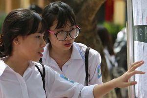 Học sinh Hà Nội bắt đầu nhận phiếu báo kết quả thi lớp 10