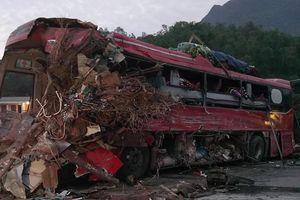 Tai nạn thảm khốc ở Hòa Bình: Xe hết hạn ở Việt Nam được mang qua Lào 'mông má'?