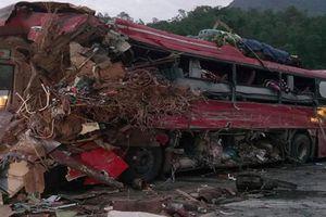 Tai nạn thảm khốc tại Hòa Bình: Xe tải chở nặng chạy tốc độ cao, lấn làn