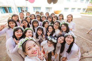 Lớp 12 ở Đắk Lắk toàn nam thanh nữ tú và nhiều tài lẻ