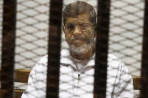 Cựu Tổng thống Ai Cập chết giữa phiên tòa xét xử