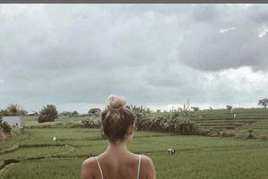 Blogger du lịch phải đóng Instagram vì bức ảnh nhạy cảm trên cánh đồng lúa