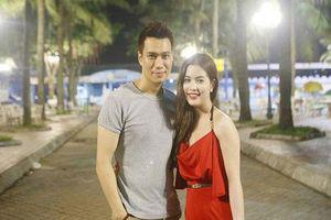 Việt Anh chính thức thông báo độc thân, bà xã Trần Hương cũng tuyên bố sốc, khẳng định có kẻ 'cướp đi hạnh phúc gia đình'?