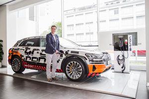 Audi e-tron chạy hoàn toàn bằng điện đã có mặt tại Việt Nam