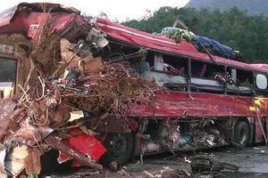 Vụ xe tải biển Lào tông xe khách ở Hòa Bình: Xe tải chạy tốc độ nhanh, lấn làn