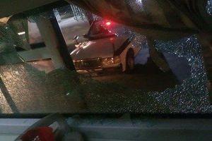 Thanh Hóa: Xe khách bị ném đá vỡ kính, nữ hành khách bị thương