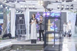 Hồng Quế catwalk nổi bật giữa dàn model Trung Quốc