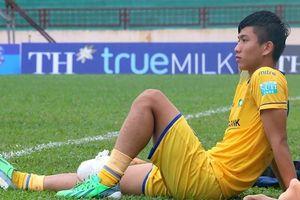 Phan Văn Đức phải nghỉ cả mùa giải - tin dữ với HLV Park Hang Seo
