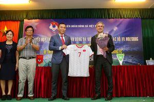 CLB Wolfsburg hợp tác phát triển bóng đá Việt Nam, đánh giá VFF tốt nhất Đông Nam Á