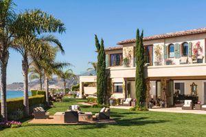 Bên trong biệt thự mà Kylie Jenner thuê để nghỉ hè