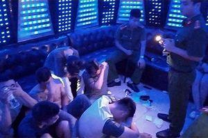Phát hiện 93 người bay lắc tại quán karaoke PhanTom