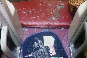 Truy tìm nhóm ném vỡ kính xe giường nằm khiến hành khách bị thương