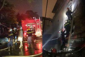 Cuộc 'chạy đua' của cảnh sát PCCC cứu thoát 6 người trong vụ cháy lớn lúc rạng sáng