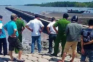 Điều tra vụ thi thể nam giới đang phân hủy, trôi dạt trên biển ở Cà Mau