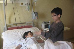 Nóng trên mạng xã hội: Đại phẫu 'cậu nhỏ' cho 'chú lính chì' Thiện Nhân