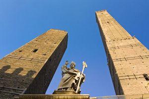 Khám phá 4 tòa tháp nổi tiếng nhất thế giới