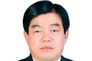 Cách mọi chức vụ trong đảng với Giám đốc Sở Giáo dục Sơn La
