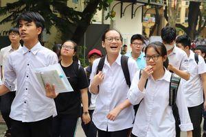 Từ 20-22/6, học sinh đỗ lớp 10 Hà Nội nhập học trực tuyến hoặc trực tiếp