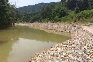 Thừa Thiên Huế: Ai đã 'băm nát' dòng suối A Lin?