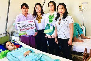 Hai chị em bị bệnh lõm ngực bẩm sinh: Được bạn đọc ủng hộ gần 60 triệu đồng