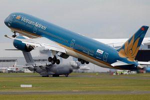 Vietnam Airlines nhận chứng chỉ 4 sao quốc tế nhưng bị đánh tụt 6 hạng