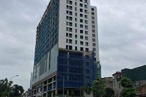 Phá dỡ hạng mục vi phạm tòa nhà 8B Lê Trực, 4 năm vẫn giậm chân tại chỗ?