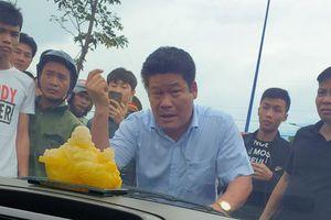 Giang hồ vây xe chở công an ở Đồng Nai: Bắt khẩn cấp một chủ doanh nghiệp