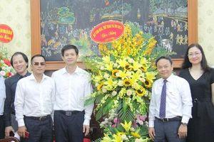 Thứ trưởng Lê Quang Tùng thăm và chúc mừng các cơ quan báo chí nhân Ngày Báo chí cách mạng Việt Nam