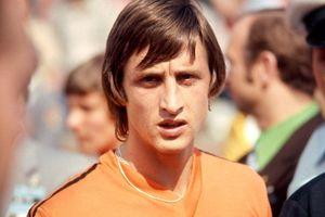 Johan Cruyff và cú ngoặt bóng thay đổi thế giới