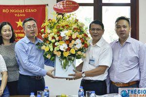 Phó Trưởng Ban Tuyên giáo Trung ương thăm và chúc mừng Báo Thế giới & Việt Nam
