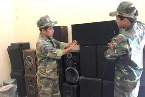Tạm giữ lô thiết bị điện tử đã qua sử dụng nhập lậu từ Campuchia vào Việt Nam